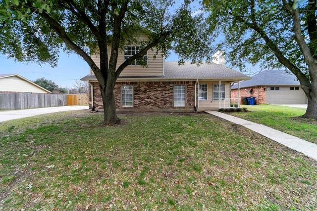 111 Colonial Heights, Sanger, TX 76266 (MLS #14284751) :: Team Tiller