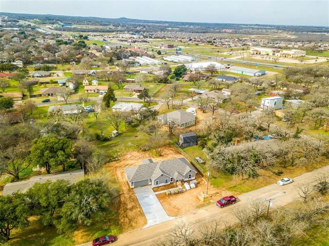 464 Wildwood Lane, Burleson, TX 76028 (MLS #14285056) :: The Chad Smith Team