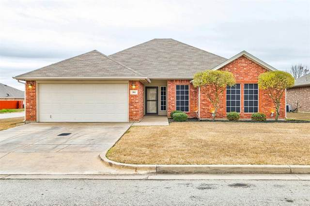 301 Rose Avenue, Cleburne, TX 76033 (MLS #14285057) :: The Chad Smith Team