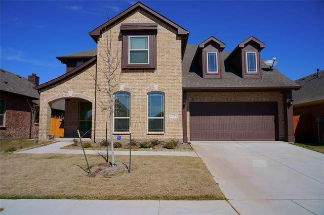 1721 Yellowthroat Drive, Little Elm, TX 75068 (MLS #14285466) :: The Kimberly Davis Group