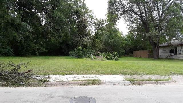 2411 Saint Clair Drive, Dallas, TX 75215 (MLS #14285499) :: Hargrove Realty Group