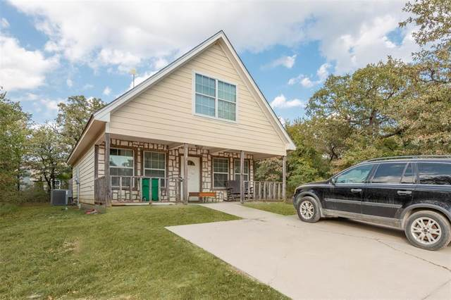 11012 Shady Oaks Drive, Runaway Bay, TX 76426 (MLS #14285844) :: The Kimberly Davis Group