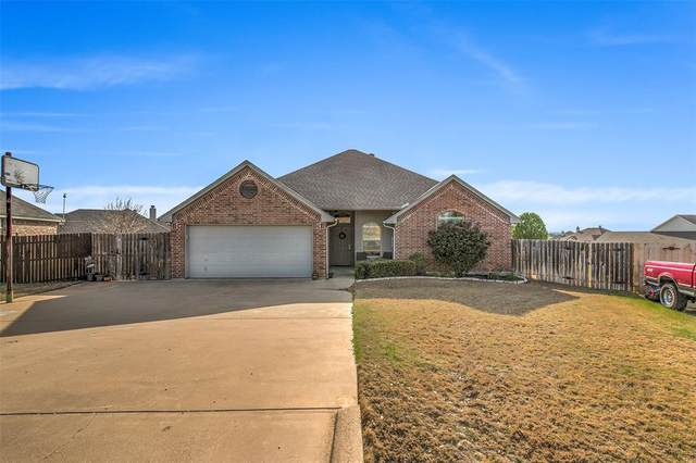 2702 Drift Court, Granbury, TX 76049 (MLS #14285862) :: The Kimberly Davis Group
