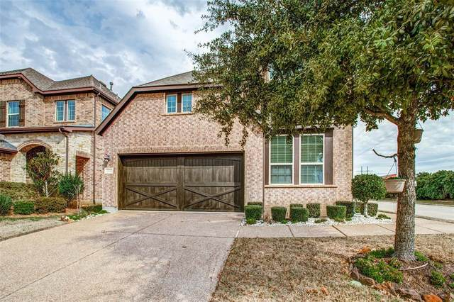 421 Westminster Drive, Lewisville, TX 75056 (MLS #14286070) :: Real Estate By Design