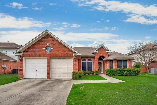 4441 Forsyth Lane, Grand Prairie, TX 75052 (MLS #14286159) :: The Heyl Group at Keller Williams