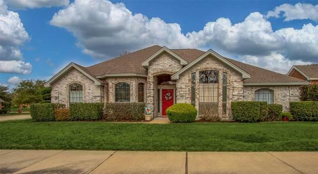 1201 Oakgrove Lane, Bedford, TX 76021 (MLS #14286394) :: The Chad Smith Team