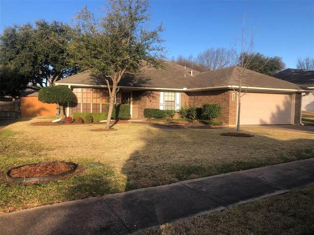 2517 Barr Drive, Bedford, TX 76021 (MLS #14286571) :: The Chad Smith Team