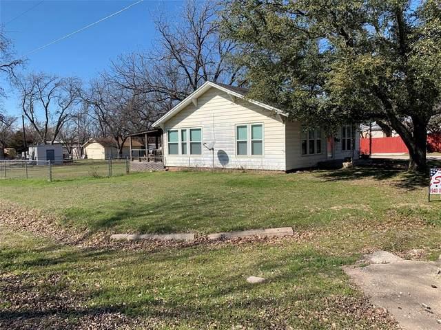 301 Young Street, Nocona, TX 76255 (MLS #14286729) :: The Heyl Group at Keller Williams