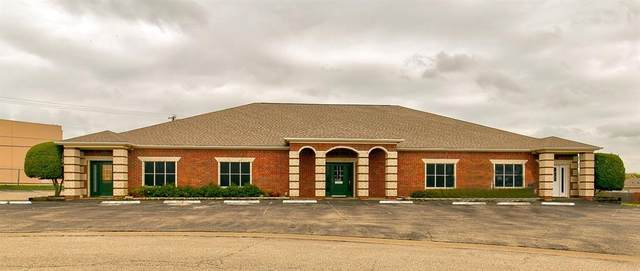 131 S Westmeadow Drive, Cleburne, TX 76033 (MLS #14286940) :: All Cities USA Realty