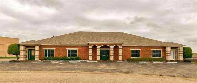 131 S Westmeadow Drive, Cleburne, TX 76033 (MLS #14286940) :: Premier Properties Group of Keller Williams Realty