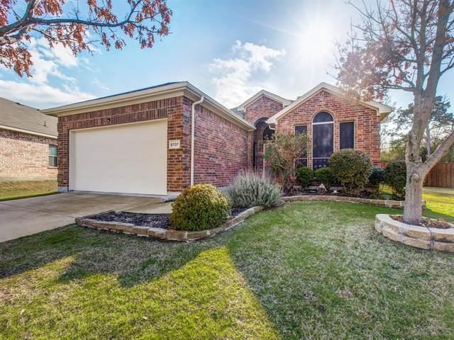 8707 Cedar Thicket Drive, Dallas, TX 75249 (MLS #14287033) :: The Kimberly Davis Group