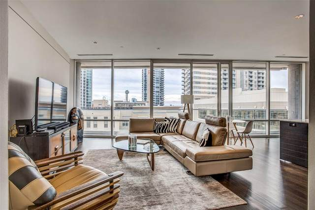 2408 Victory Park Lane #733, Dallas, TX 75219 (MLS #14287226) :: The Mauelshagen Group