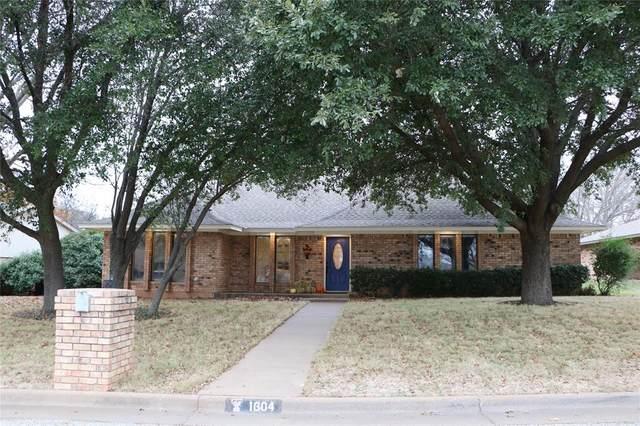 1604 S Rodgers Drive, Graham, TX 76450 (MLS #14287388) :: The Kimberly Davis Group