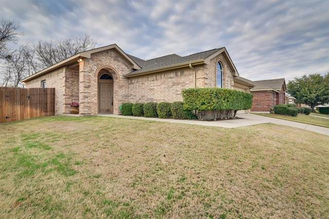 5817 Crowder Drive, Fort Worth, TX 76179 (MLS #14287420) :: NewHomePrograms.com LLC