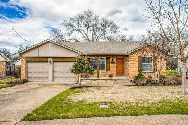 11111 Paddock Circle, Dallas, TX 75238 (MLS #14287456) :: Baldree Home Team