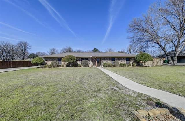 305 Brookhollow Street, Decatur, TX 76234 (MLS #14287623) :: The Heyl Group at Keller Williams