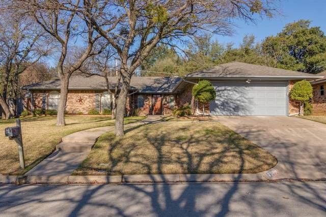 2312 Brookside Drive, Arlington, TX 76012 (MLS #14287757) :: The Mitchell Group