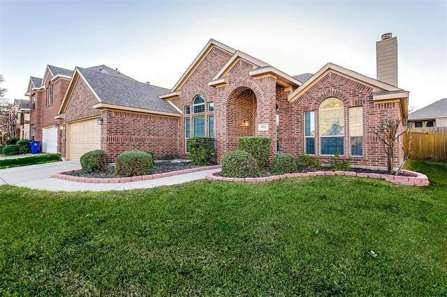932 Monticello Drive, Burleson, TX 76028 (MLS #14288125) :: The Mitchell Group