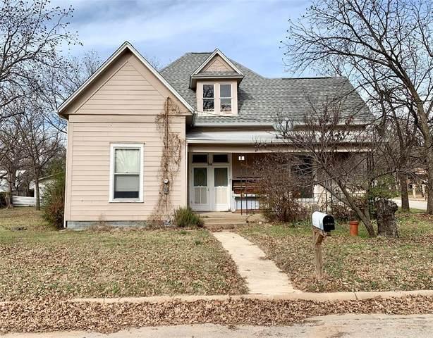 115 NE 19th Street, Mineral Wells, TX 76067 (MLS #14288248) :: The Mauelshagen Group