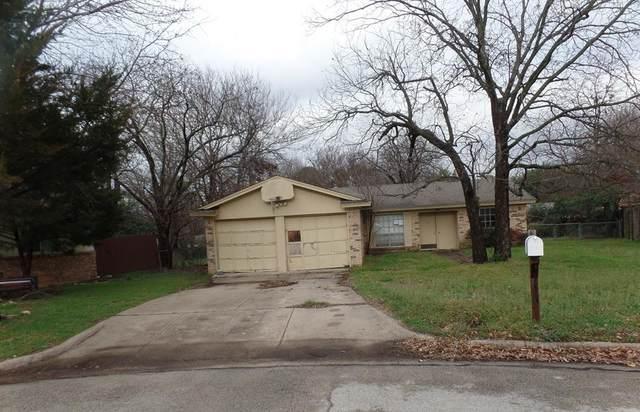 1815 Windsor Court, Arlington, TX 76012 (MLS #14288570) :: NewHomePrograms.com LLC