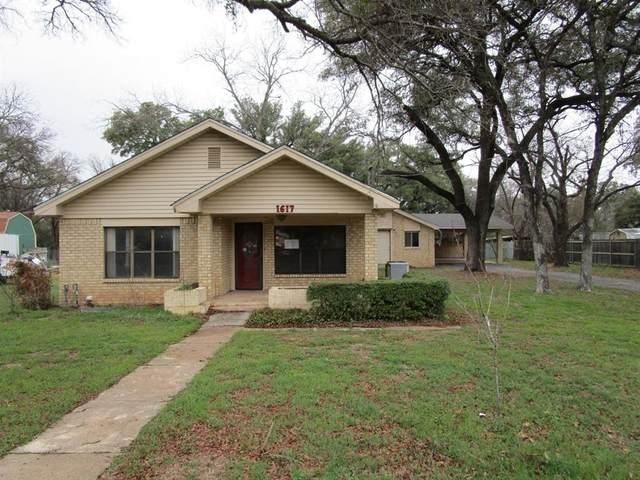 1617 Wood Street, Brownwood, TX 76801 (MLS #14288605) :: The Chad Smith Team