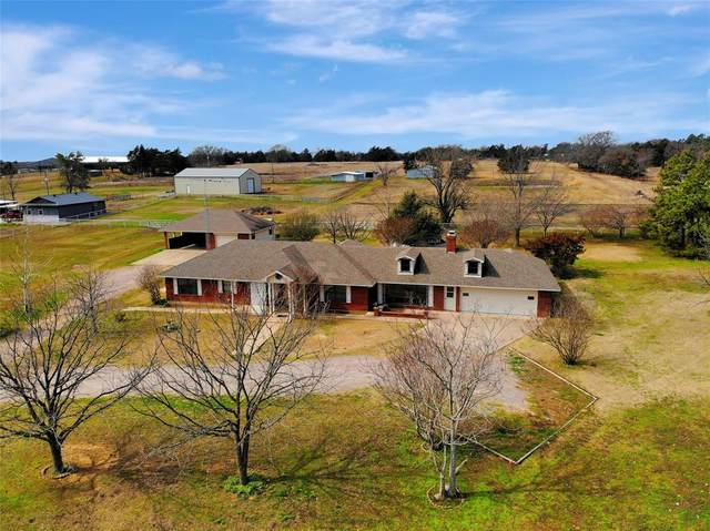 1905 Roland Road, Whitesboro, TX 76273 (MLS #14288912) :: The Kimberly Davis Group