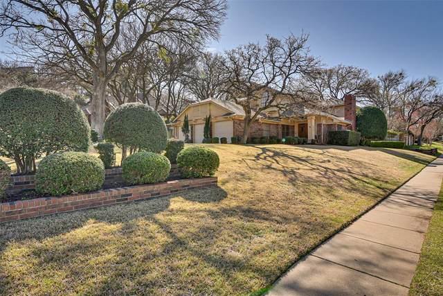 1200 Twin Oaks Court, Arlington, TX 76006 (MLS #14288987) :: Trinity Premier Properties