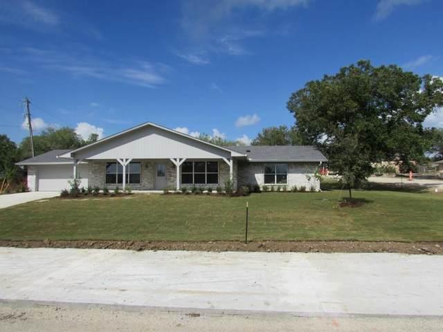 437 Peninsula Drive, Lakewood Village, TX 75068 (MLS #14289289) :: The Mauelshagen Group