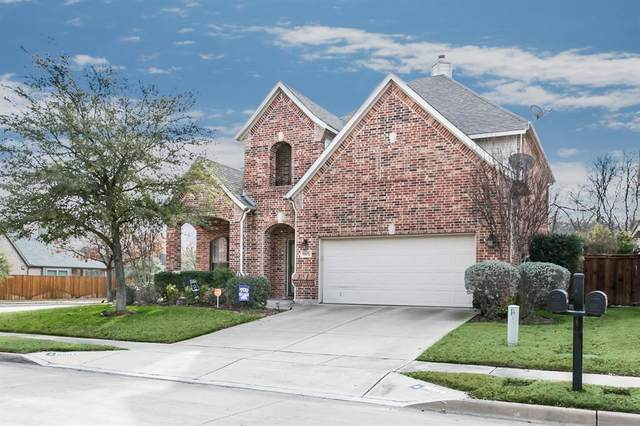 9801 Rio Frio Trail, Fort Worth, TX 76126 (MLS #14289368) :: The Heyl Group at Keller Williams