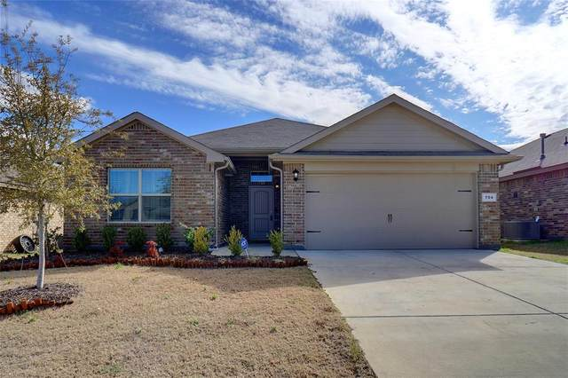 704 Wylie Street, Crowley, TX 76036 (MLS #14289377) :: NewHomePrograms.com LLC