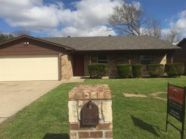 308 Cambridge Drive, Saginaw, TX 76179 (MLS #14289504) :: Baldree Home Team