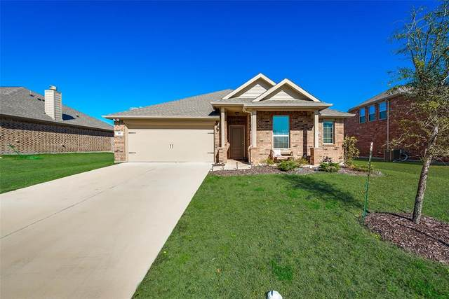 111 Morning Star Lane, Waxahachie, TX 75165 (MLS #14289610) :: The Chad Smith Team