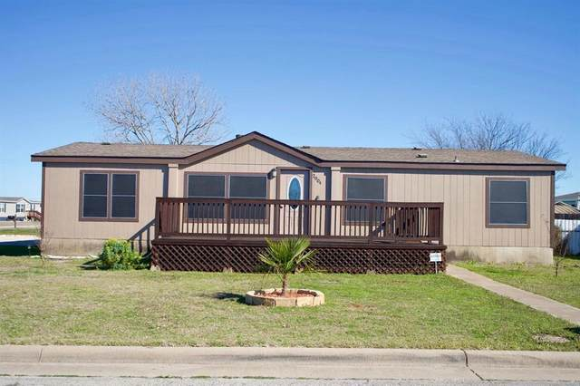 2004 Fall Creek Road, Cleburne, TX 76033 (MLS #14290005) :: The Chad Smith Team