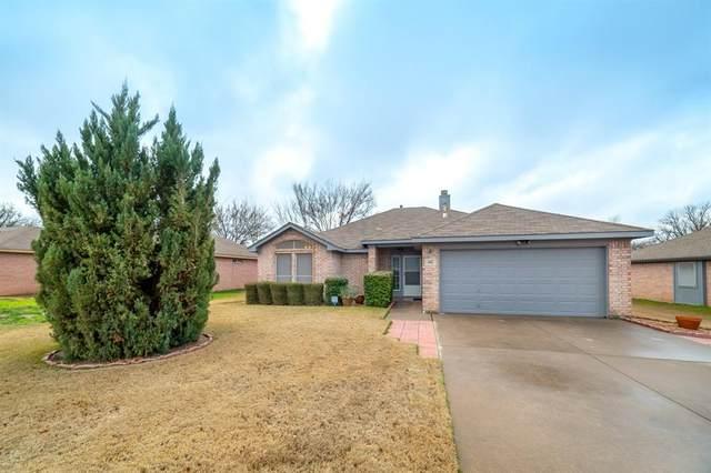 402 Dakota Drive, Joshua, TX 76058 (MLS #14290159) :: Justin Bassett Realty