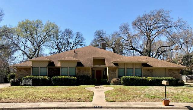 327 Shadybrook Circle, Desoto, TX 75115 (MLS #14291024) :: Century 21 Judge Fite Company