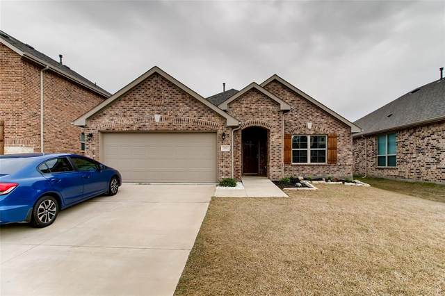1713 Ranch Trail Road, Aubrey, TX 76227 (MLS #14291295) :: Real Estate By Design