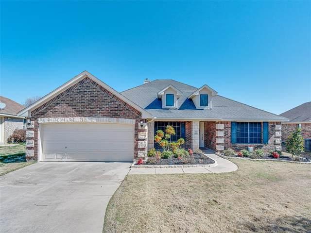 2721 Pinnacle Drive, Burleson, TX 76028 (MLS #14292209) :: Justin Bassett Realty