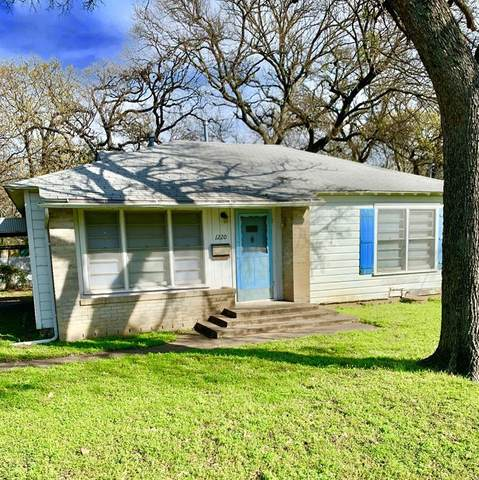 1220 Churchill Road, River Oaks, TX 76114 (MLS #14292708) :: Tenesha Lusk Realty Group