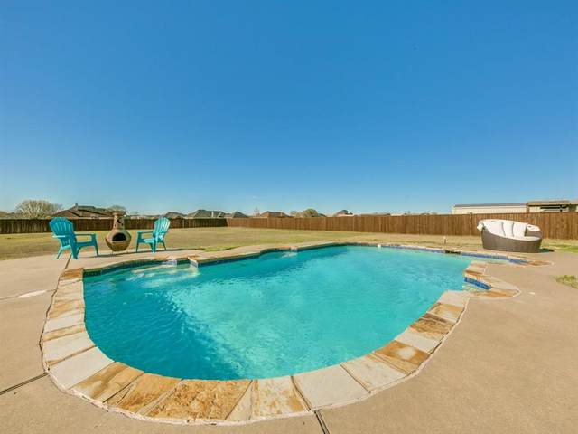 10323 Linda Circle, Forney, TX 75126 (MLS #14296586) :: The Mauelshagen Group