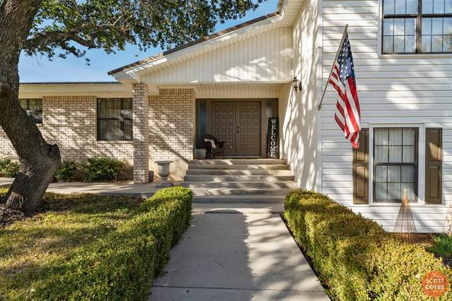 1 Country Club Drive, Brownwood, TX 76801 (MLS #14298108) :: The Kimberly Davis Group