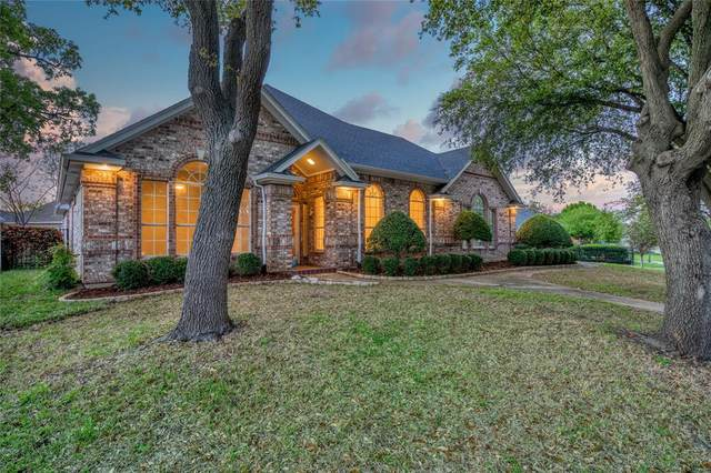 2613 Briargrove Drive, Hurst, TX 76054 (MLS #14298500) :: The Mitchell Group