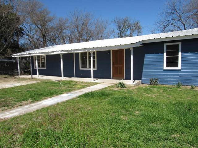 103 W Neely Avenue, Comanche, TX 76442 (MLS #14298634) :: Tenesha Lusk Realty Group