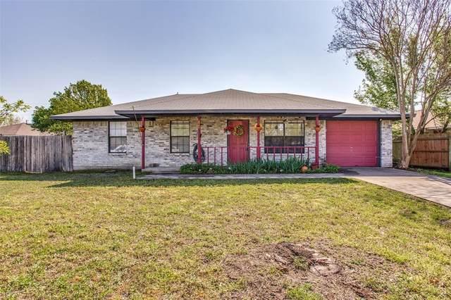 820 Steve Court, Sanger, TX 76266 (MLS #14299746) :: Trinity Premier Properties