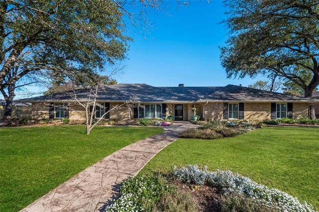 4231 Meadowdale Lane, Dallas, TX 75229 (MLS #14300060) :: All Cities USA Realty