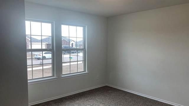 304 Wilson Way, Denton, TX 76207 (MLS #14301440) :: Real Estate By Design