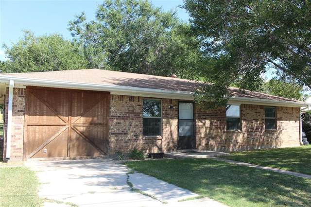 703 9th Street, Nocona, TX 76255 (MLS #14304652) :: Ann Carr Real Estate