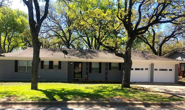 1704 Lanice Avenue, Bridgeport, TX 76426 (MLS #14305045) :: The Kimberly Davis Group