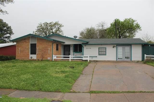 3224 Brockbank Drive, Irving, TX 75062 (MLS #14305083) :: The Kimberly Davis Group