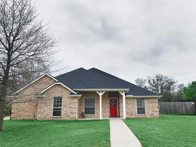 1105 Lynnwood Drive, Cleburne, TX 76033 (MLS #14305293) :: The Rhodes Team