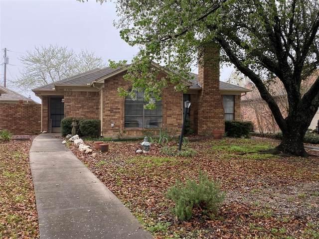 1725 Red Oak Circle, Sulphur Springs, TX 75482 (MLS #14305901) :: The Kimberly Davis Group